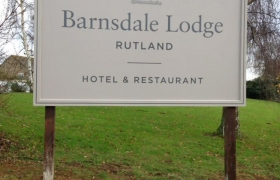Barnsdale-Lodge-Barker-Sign-Services-On-Post-Signs-21