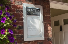 Hunters-Bar-Kitchen-Barker-Sign-Services-Posterframes-Menu-Boxes-Light-Boxes-10