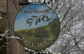 The-Olive-Branch-Barker-Sign-Services-Hanging-Signs-1_