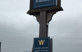 The-Wheatsheaf-Barker-Sign-Services-Hanging-Signs-36_